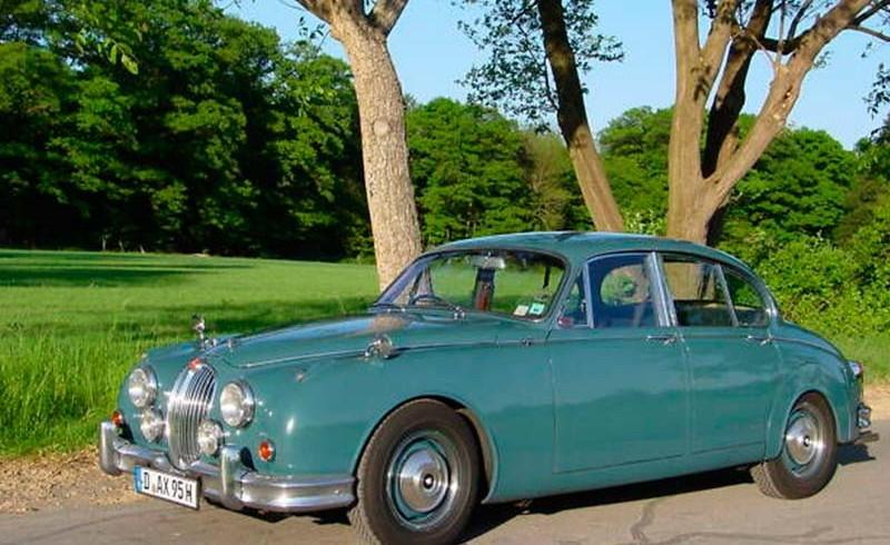 Jaguar-MK-II-1